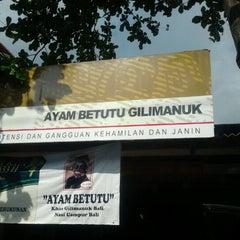 Photo taken at Ayam Betutu Khas Gilimanuk by Dearly A. on 8/26/2012
