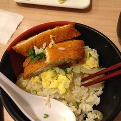 Photo taken at Akamaru Udon Factory 赤丸製麵所 by Thomas N. on 12/28/2011