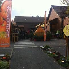 Photo taken at Erlebnisbauernhof Gertrudenhof by Bernd G. on 10/30/2011