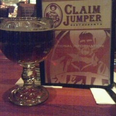 Photo taken at Claim Jumper by 🐳Katherine K. on 1/3/2012