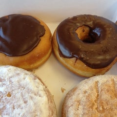 Photo taken at Dunkin' Donuts by 🐸Jennifer S. on 3/10/2012