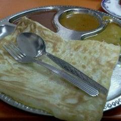 Photo taken at Restoran Jalal Yusof by Ann J. on 9/22/2011