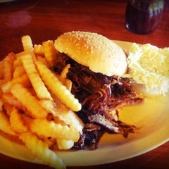 Photo taken at Shorty's BBQ by Veronica S. on 10/24/2011