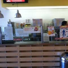 Photo taken at Robeks Fresh Juices & Smoothies by KAMI on 7/19/2011