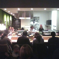 Photo taken at Obento-Ya by Cong N. on 3/2/2012