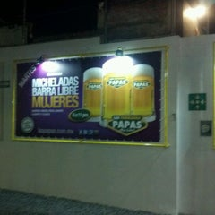 Photo taken at Las Fabulosas Papas by Shadia B. on 7/16/2012