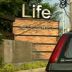 Photo taken at Life@THA-PHRA by Kanok L. on 2/6/2012