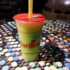 Photo taken at Fat Straws Bubble Tea & Juice by Thai L. on 9/13/2012