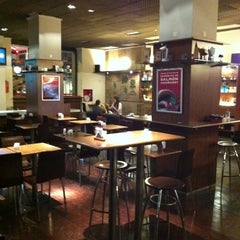 Photo taken at Establecimiento General de Café by Alcides R. on 4/16/2012