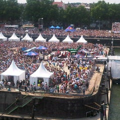 Photo taken at Red Bull Flugtag by Thorsten H. on 5/28/2012
