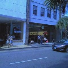 Photo taken at Apple Store, King Street by Ngurah D. on 3/28/2012