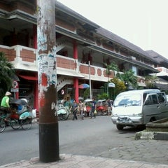 Photo taken at Pasar Beringharjo by Wisnu H. on 3/23/2012