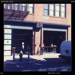 Photo taken at Blue Bottle Coffee by b0u on 6/8/2012