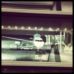 Photo taken at Terminal 1 المبنى by Rehan S. on 2/9/2012