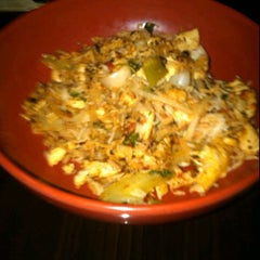 Photo taken at Flat Top Stir-Fry Grill by Swans on 6/16/2012