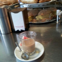 Photo taken at Cafeteria Centroelena by Fran on 6/14/2012