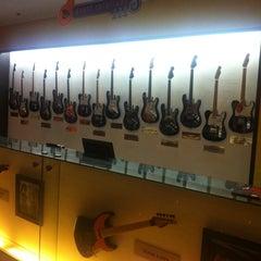 Photo taken at Hard Rock Cafe Pattaya by Music Room H. on 4/18/2011