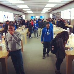 Photo taken at Apple Store, Pacific Centre by MikaDoesMakeup.com on 11/11/2011