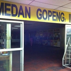 Photo taken at Medan Gopeng Bus Terminal by Kamal Amli A. on 6/14/2011