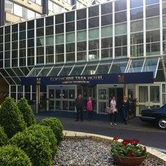 Photo taken at Copthorne Tara Hotel London Kensington by Andy Y. on 4/3/2012