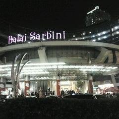 Photo taken at The Plaza Semanggi by Raymond T. on 1/22/2012