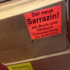 Photo taken at Buchhandlung Lüdemann by plastikstuhl on 5/16/2012