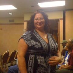 Photo taken at Hilton Garden Inn Kansas City by Gloria C. on 5/25/2012