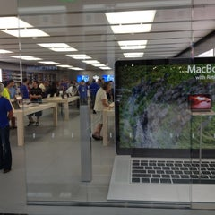 Photo taken at Apple Store, Syracuse by Chris S. on 8/25/2012
