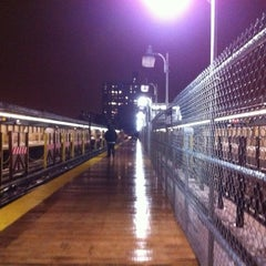 Photo taken at MTA Subway - 4th Ave/9th St (F/G/R) by Vincent L. on 1/19/2011