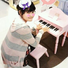 Photo taken at Toy's Kingdom - Mall of Indonesia by Emmylove E. on 12/24/2011