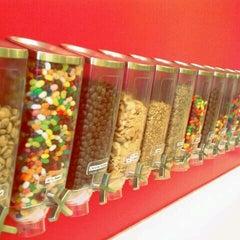 Photo taken at Zinga! Frozen Yogurt by Capital B. on 8/16/2011