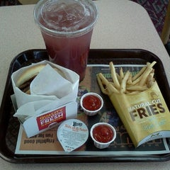 Photo taken at Wendy's by Trevor L. on 10/21/2011