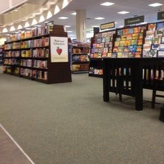 Photo taken at Barnes & Noble by Jesse R. on 4/14/2012