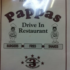 Photo taken at Papa's Drive In Diner by Samantha R. on 3/8/2011