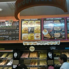 Photo taken at Dunkin' Donuts by Rocky M. on 11/6/2011