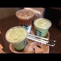 Photo taken at Starbucks by Nellsen P. Y. on 9/11/2012
