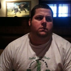 Photo taken at LongHorn Steakhouse by Christian S. on 8/9/2011