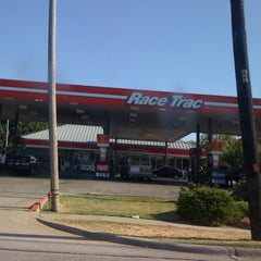 Photo taken at RaceTrac by Carlie R. on 8/10/2011