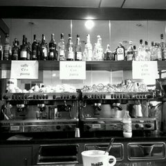 Photo taken at Snack Bar Cupido Venezia by Incauto E. on 10/7/2011