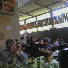 Photo taken at RM. Ampera by Asnawi B. on 8/29/2012