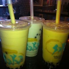 Photo taken at Osaka Sushi Express & Fresh Fruit Drinks by Anna O. on 3/14/2012