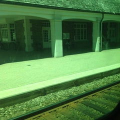 Photo taken at Metra - Lake Forest by Howard E. on 6/7/2012
