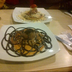 Photo taken at Mr. Pancake by Arif S. on 8/20/2012