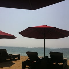 Photo taken at The Laguna, a Luxury Collection Resort & Spa, Nusa Dua, Bali by vely on 6/9/2012
