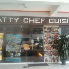 Photo taken at Fatty Chef Cuisine by Jerrly C. on 9/5/2011