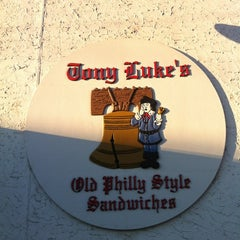 Photo taken at Tony Luke's by Jon-Jon G. on 2/26/2012