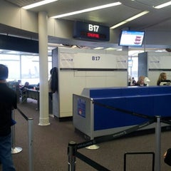 Photo taken at Gate B17 by uhyouhyo p. on 4/26/2012