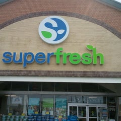Photo taken at Super Fresh by Rick S. on 8/7/2012