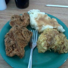 Photo taken at Golden Corral by Eric R. on 12/13/2011