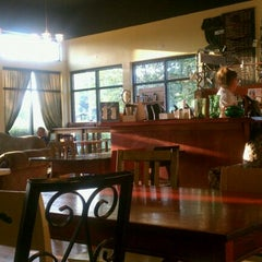 Photo taken at Insomnia Coffee Company by Vallie J. on 9/13/2011
